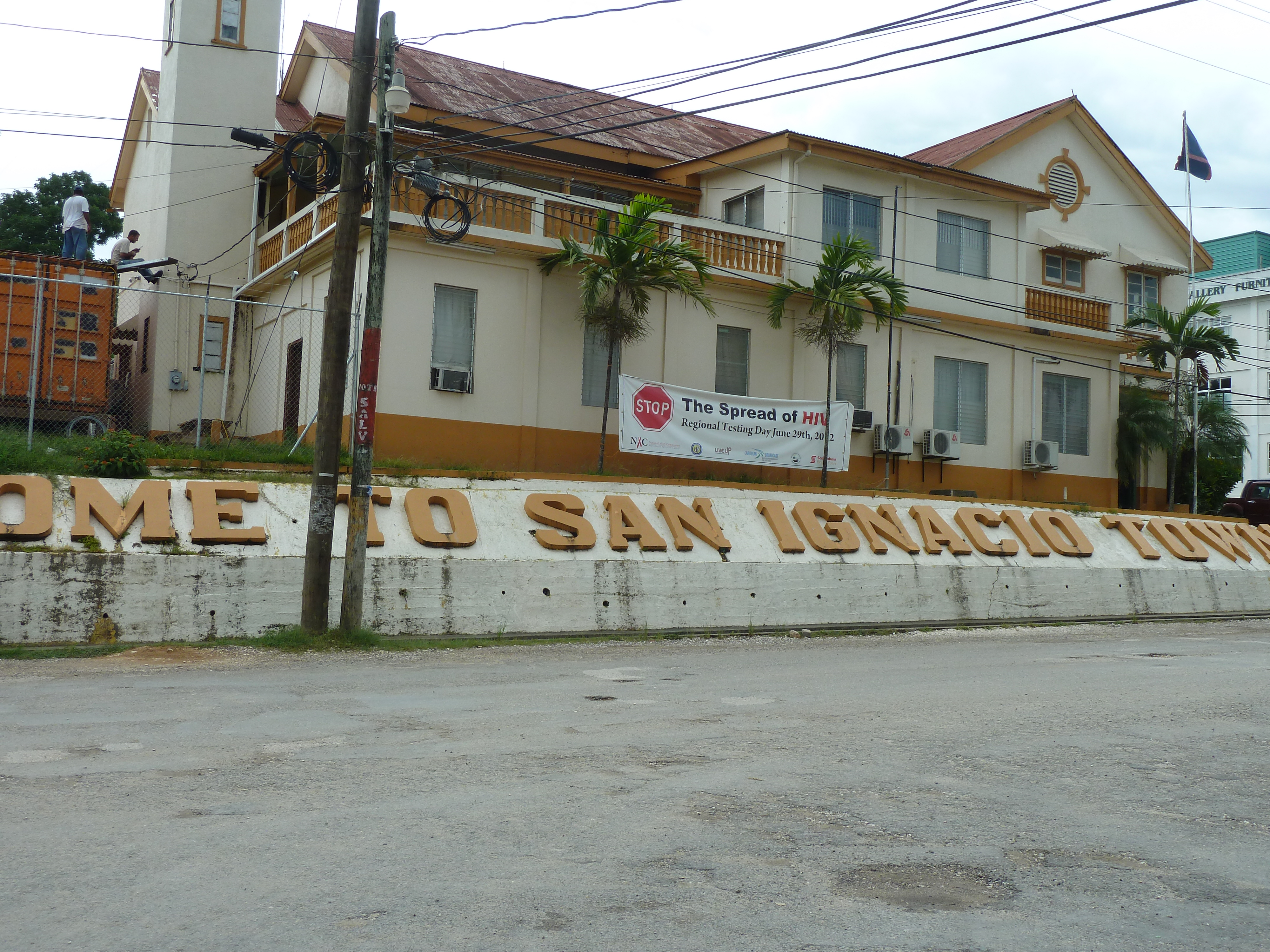 santa elena guys While wish willy's is technically in santa elena it is a very easy walk to san   thanks guys, if you ever make it back to belize we hope you will stay with us :.