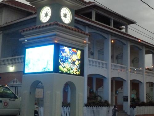 The tourist-heavy island of San Pedro.