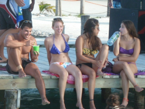 Aw man, to be 21 again in Belize.