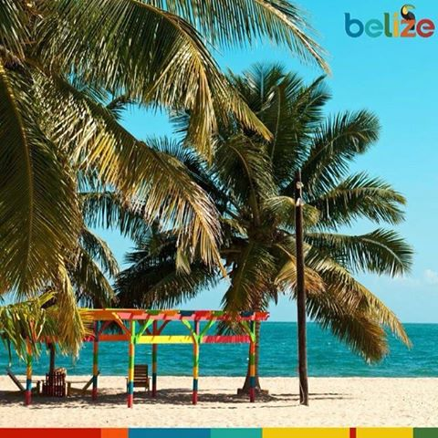 A picture of picturesque Belizean beach.