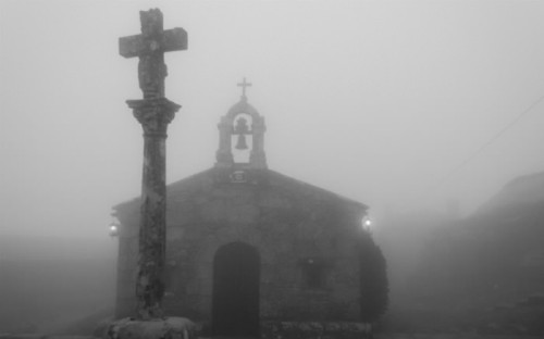 Terror can fog up our sense of faith and hope. (Photo by Santi Villamarín)