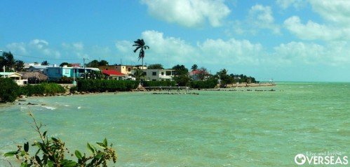 The beautiful bayside city of Corozal on Chetumal Bay in far north Belize is across the border from the thriving city of Chetumal in Mexico. I spent the Christmas holidays rolling around the two areas on my trusty motorcycle Rojo.